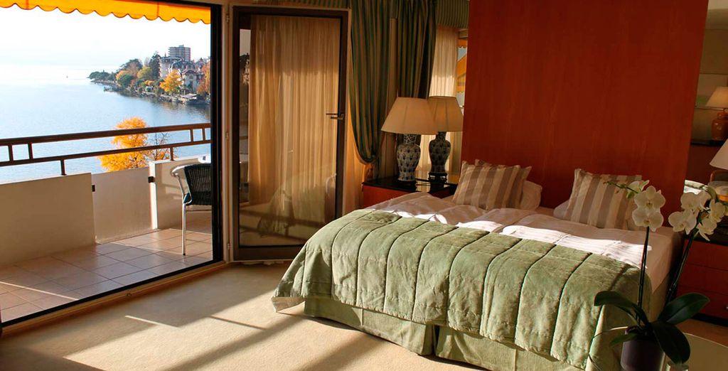 Descansa en tu exclusiva habitación Deluxe con Vistas Panorámicas al Lago