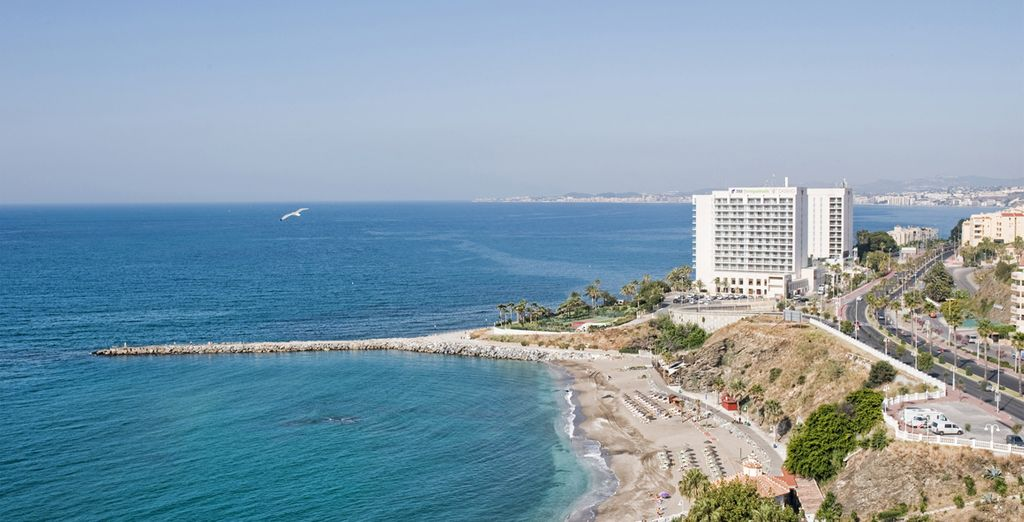 Desde donde podrás visitar zonas emblemáticas de Andalucía como Málaga, Marbella, Granada, Sevilla...