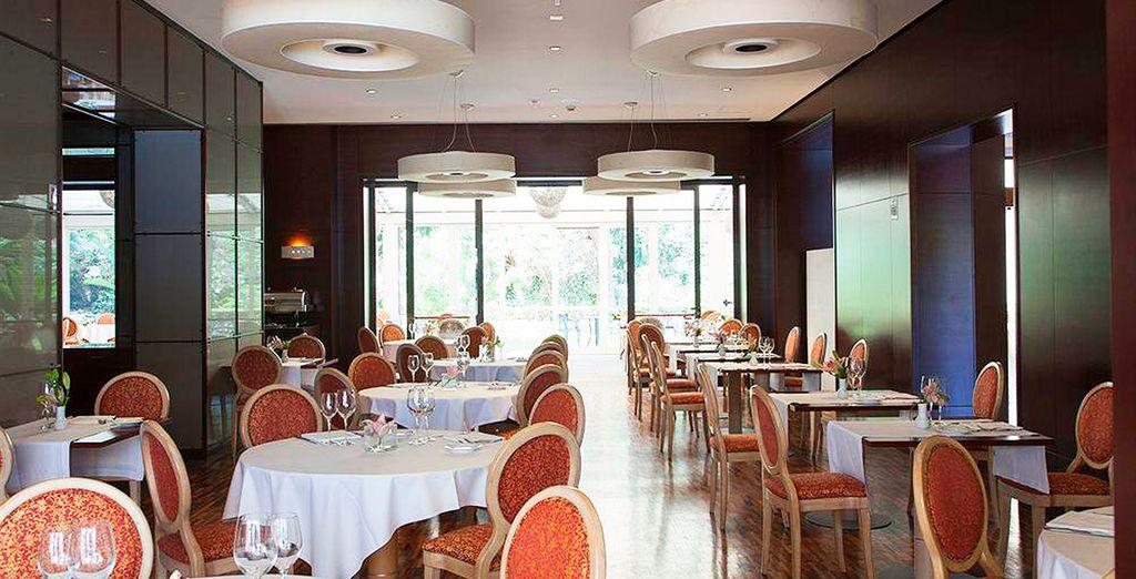 El restaurante I Paladini ofrece una amplia variedad de platos sicilianos, italianos e internacionales