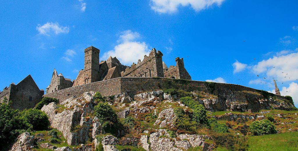 Visitarás la Roca de Cashel...