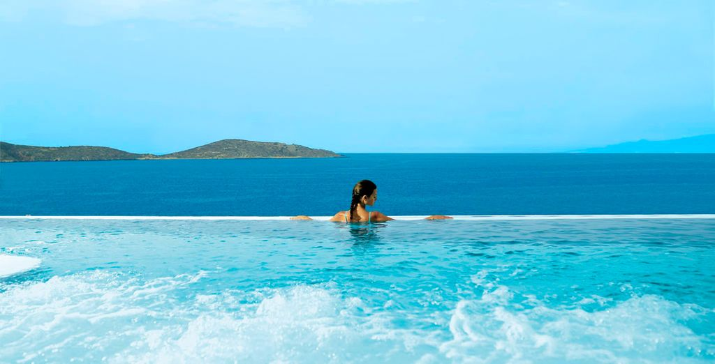 Deléitate con estas maravillosas vistas del Hotel Porto Elounda Golf & Spa Resort 5*