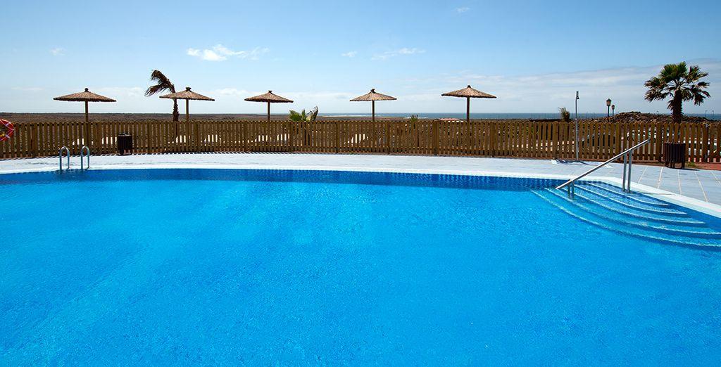 Refréscate en sus piscinas al aire libre