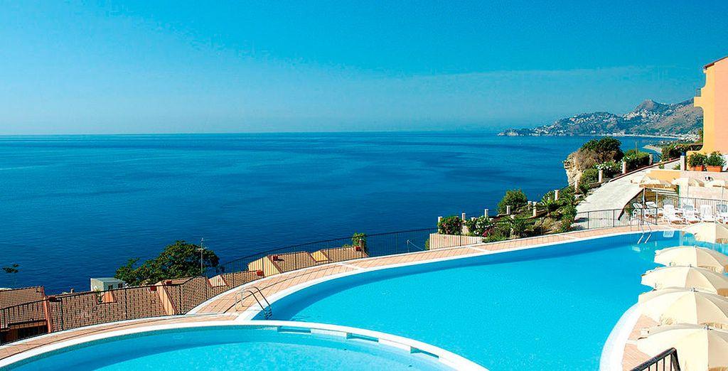 Vacaciones con estilo en Capo dei Greci Taormina Bay Hotel & SPA 4*