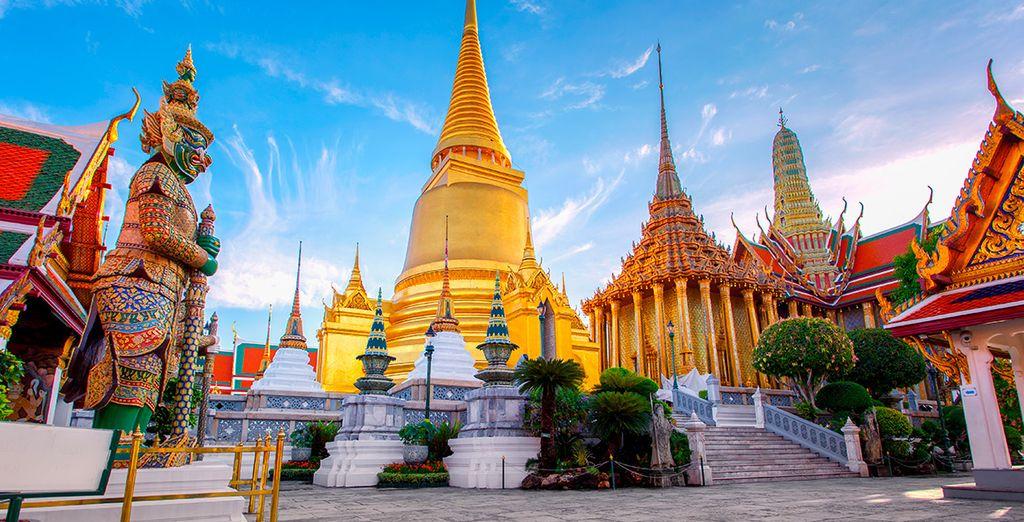 Visita el antiguo templo de Wat Phra Kaew