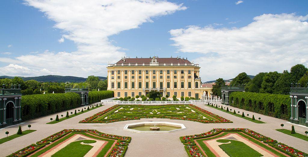 El Palacio de Schönbrunn junto a sus jardines es Patrimonio de la Humanidad desde 1996