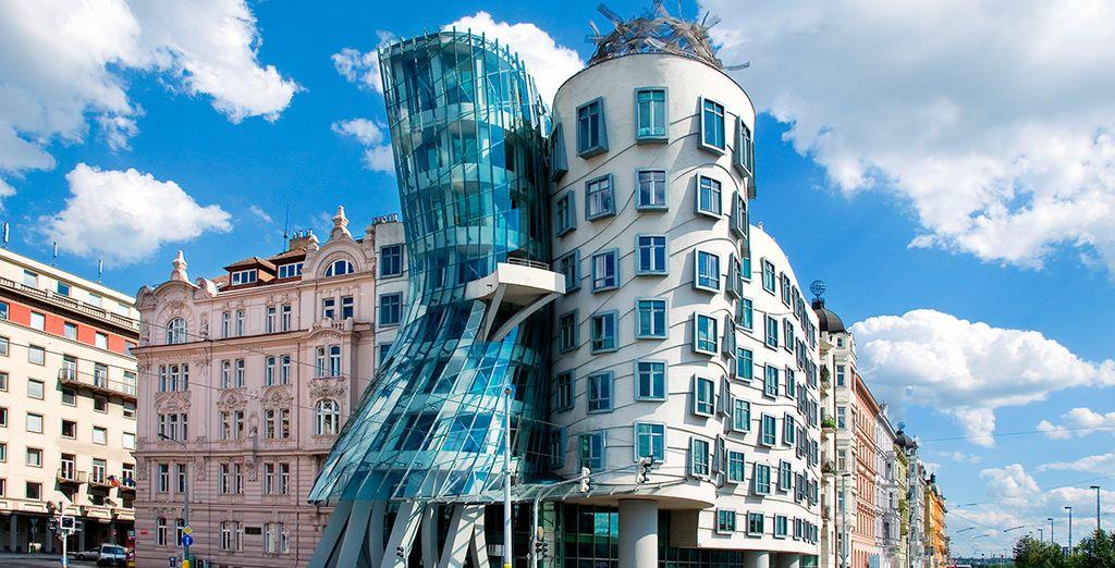 Visita lugares con arquitecturas imposibles como la de Frank Gehry