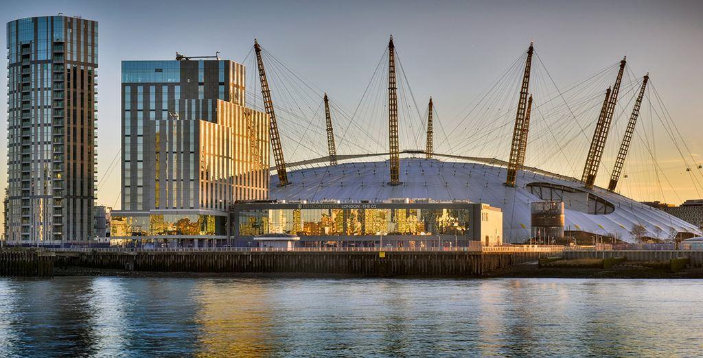 El O2 Arena está unido al hotel a través de una pasarela cubierta