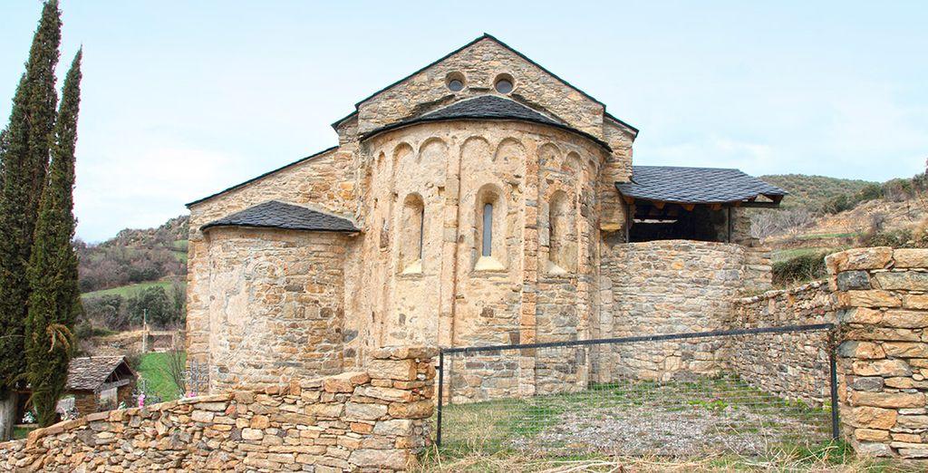 Los amantes de la cultura encontrarán lugares espectaculares de la vía románica, como Estamariu, a 15 minutos en coche