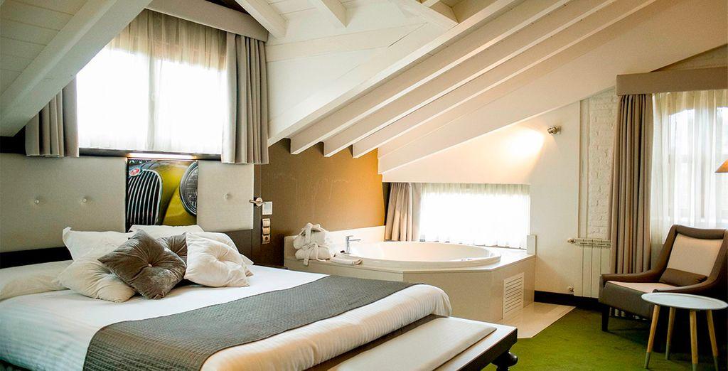 Te presentamos una de tus habitaciones en Hotel Costa Esmeralda Suites 5*