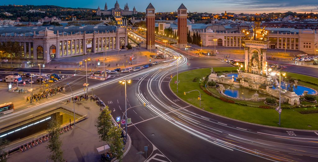 Acércate a Montjuïc y Plaza España