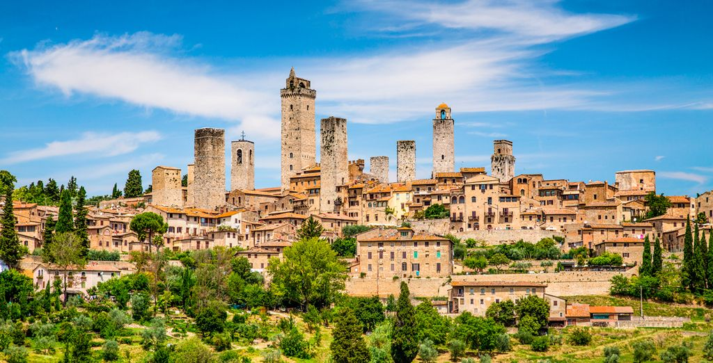 Visita el pueblo medieval de San Gimignano