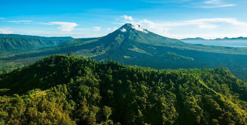 Observarás la grandiosidad del Monte Batur