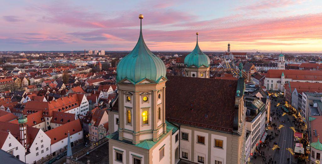 El tercer día pondrás rumbo a Augsburg, donde disfrutarás de una visita panorámica de la ciudad