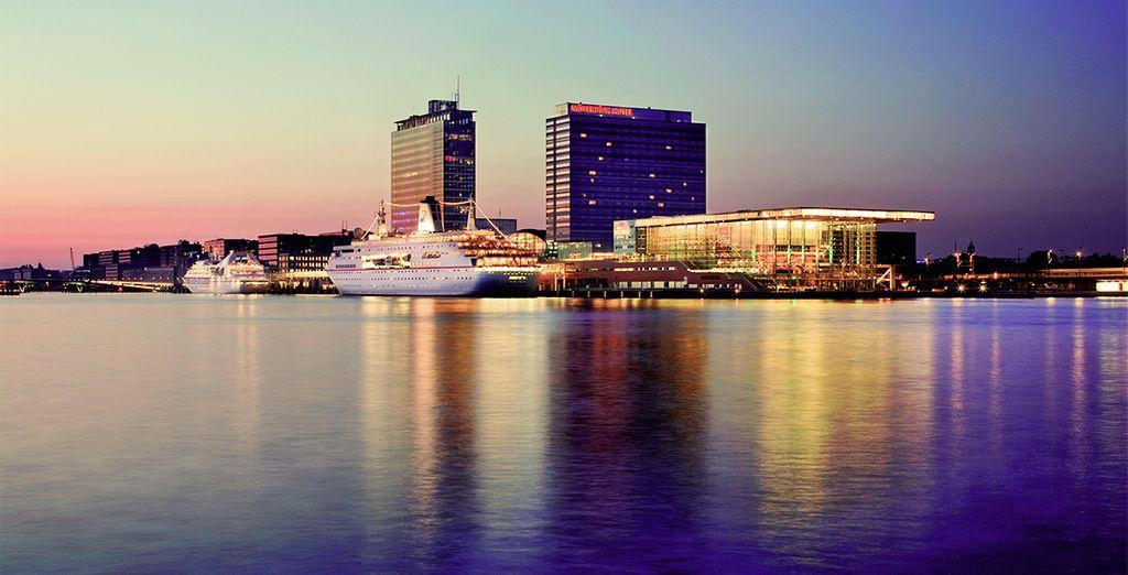 Disfruta de las espectaculares vistas desde el Mövenpick City Centre 4*