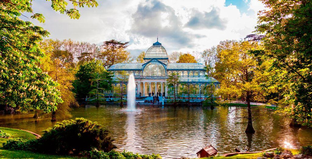 Piérdete por el Retiro y contempla el magnífico Palacio de Cristal