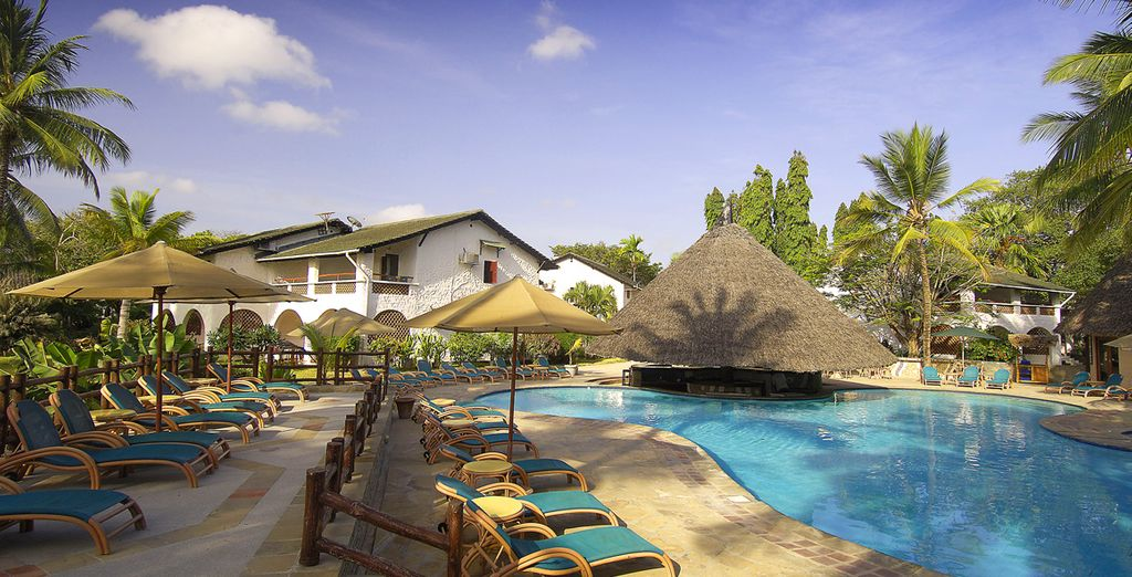 Pinewood Beach Resort & Spa 4* será tu hotel en la costa
