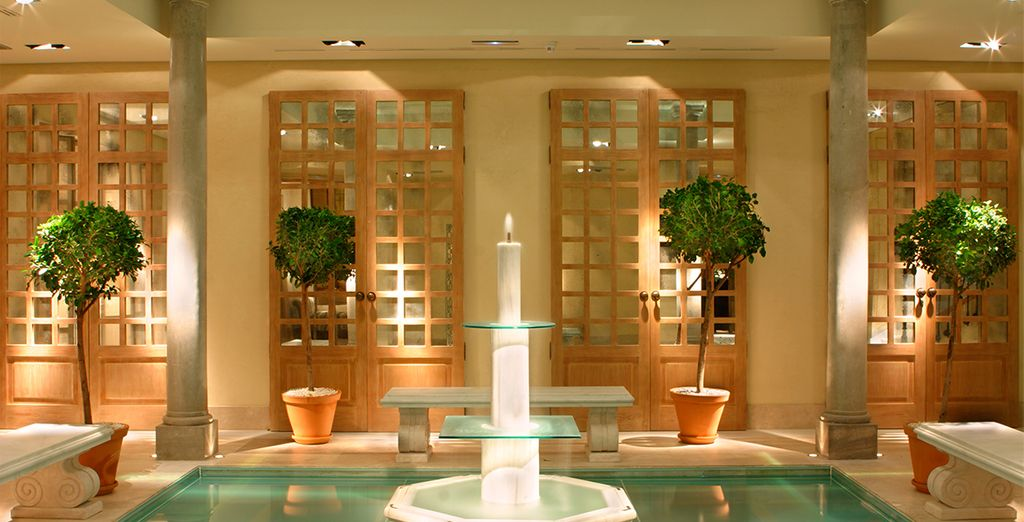 Un elegante hotel de 4 estrellas ubicado en el corazón de Granada