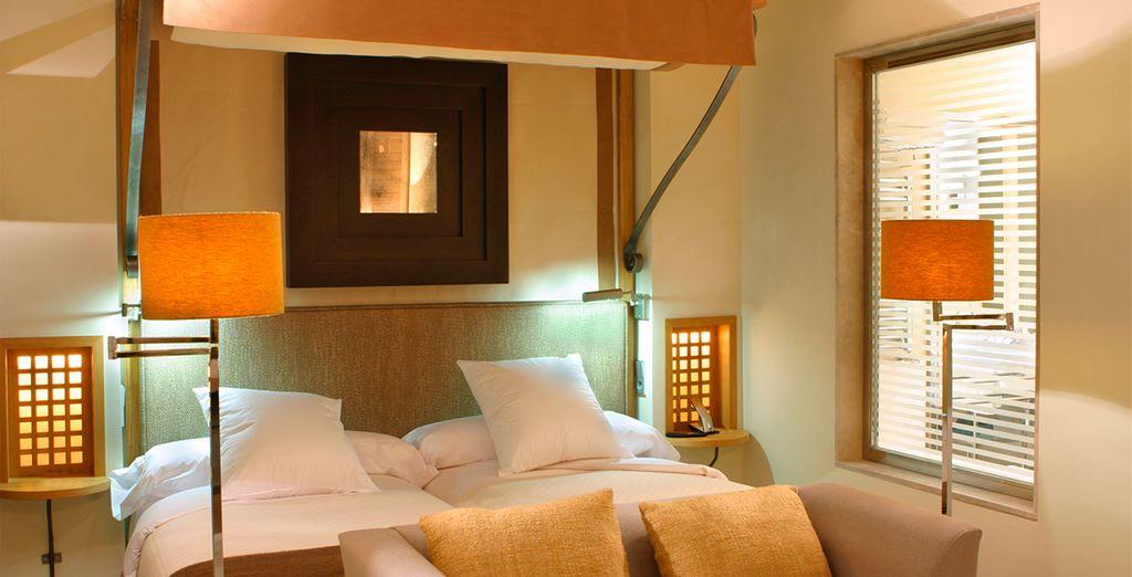 Disfruta del descanso en una confortable y acogedora habitación Superior