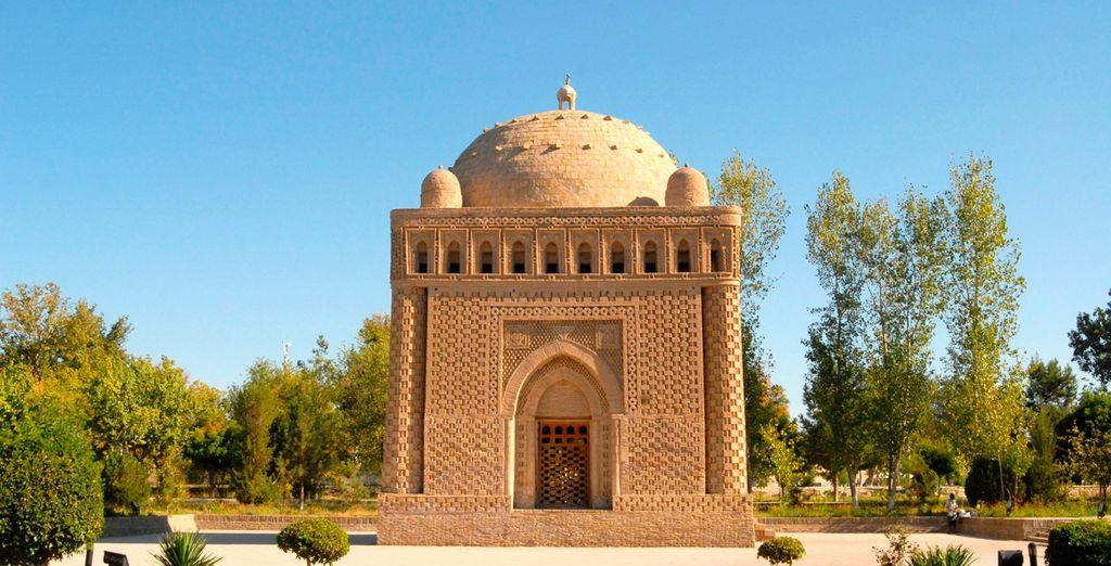 También visitaremos el mausoleo Samani