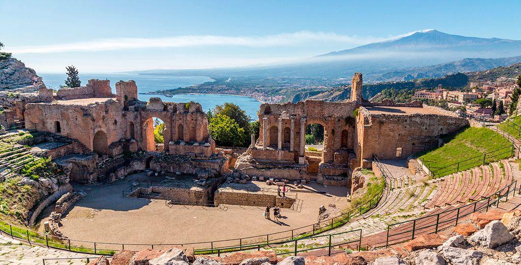 O contempla la hermosura de Taormina
