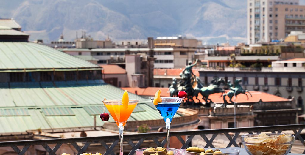 Tómate un aperitivo en la terraza