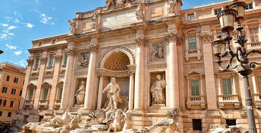 La famosa y preciosa Fontana di Trevi