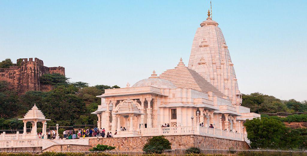 Visitarás el templo Birla de la religión Hindú