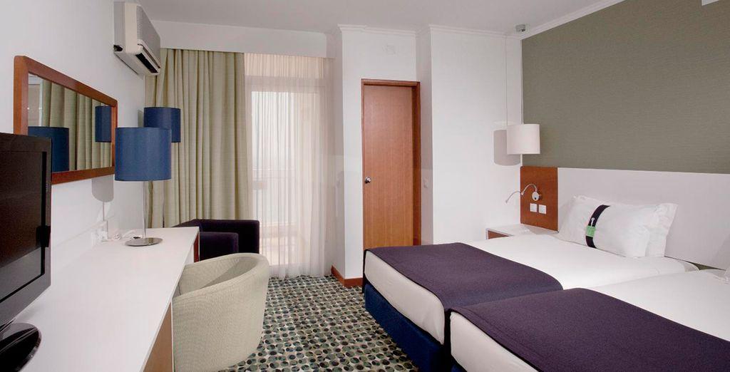 Descansa en tu habitación con vistas al océano Atlántico