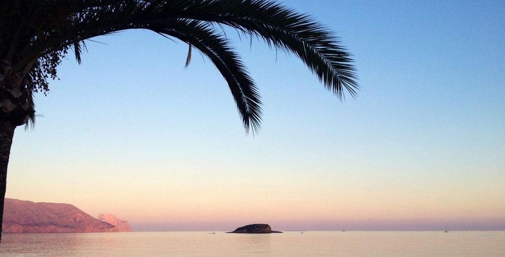 Un clima envidiable y atardeceres excepcionales en Altea, con tu estancia en Hotel Cap Negret 4*