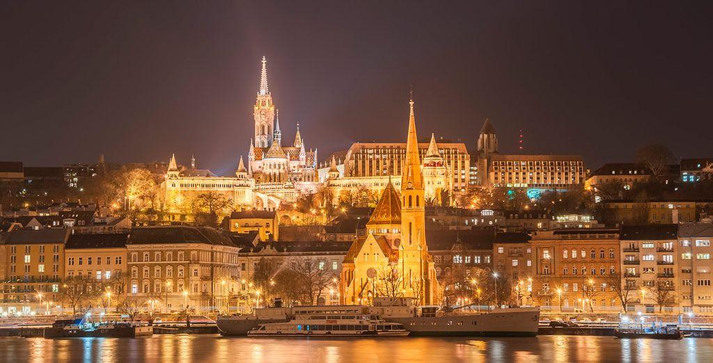 Budapest te sorprenderá de noche y de día