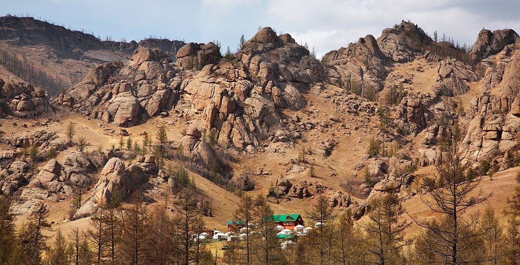 Descubre Khentii, una zona de bellas formaciones rocosas talladas por erosión de muchos ríos