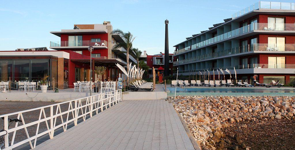 Un impresionante hotel a poca distancia de la playa