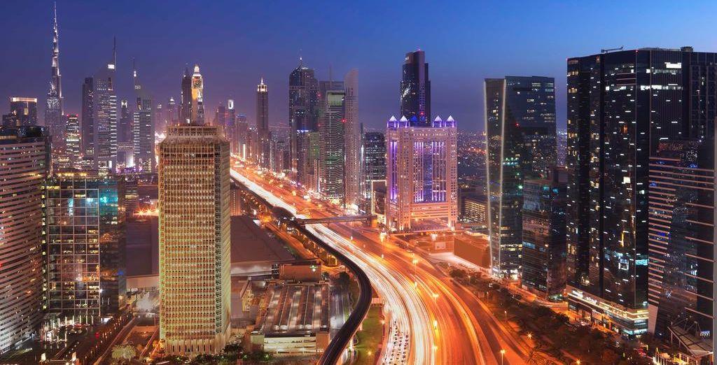 Fairmont Dubai 5* se ubica en el corazón de Dubái