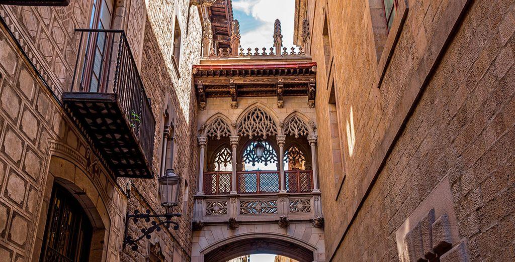 Recorre las hermosas calles del Barrio Gótico
