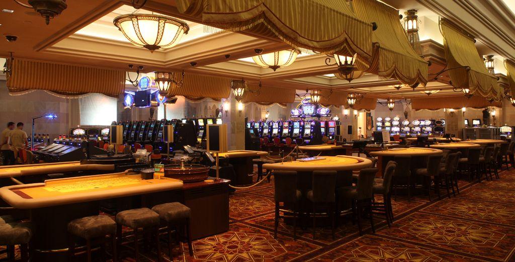 Disfruta de tu acceso al Casino y al Night Club