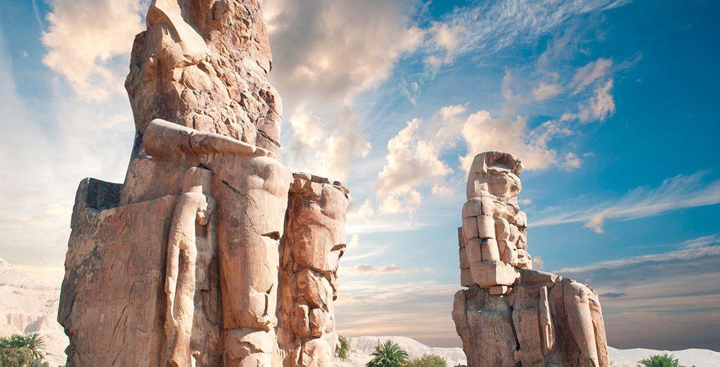 Contemplarás la majestuosidad de los Colosos de Memnon