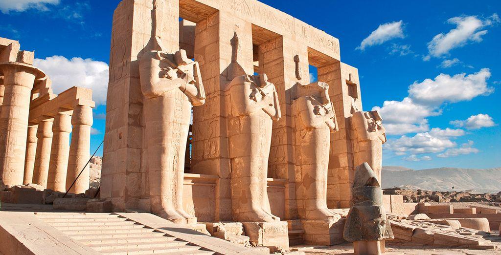 ...por los monumentos emblemáticos de una civilización histórica