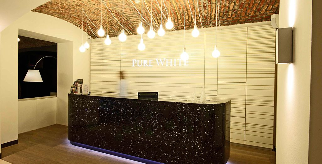 Hotel Pure White 4* te da la bienvenida