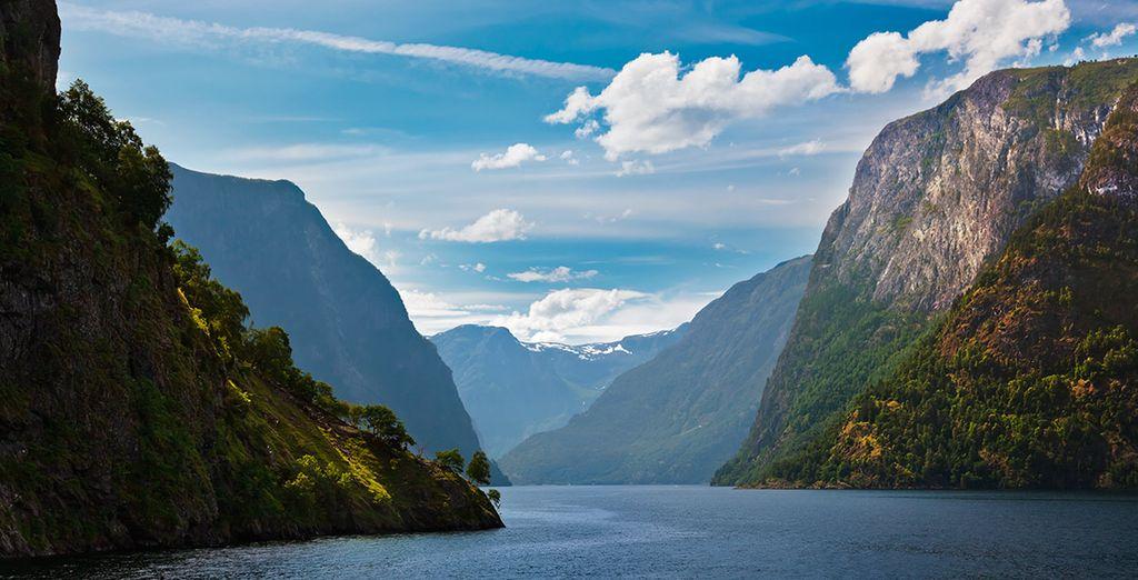 Descubre la asombrosa belleza de Nærøyfjord