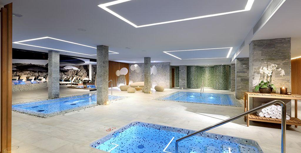 Aprovecha la oportunidad para relajarte en el spa con el circuito de aguas que hemos dispuesto para ti