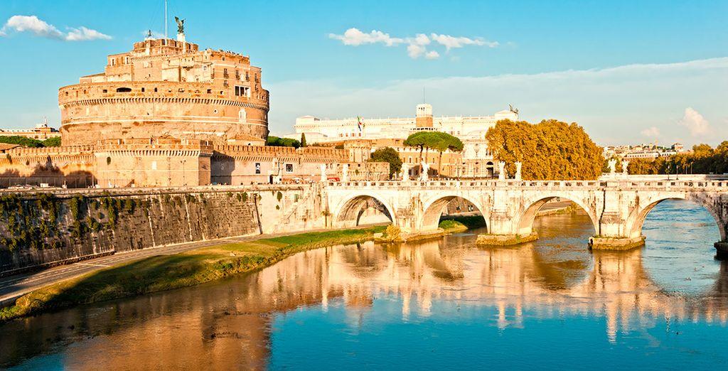 Acércate al Mausoleo de Adriano, también conocido como Castel de Sant'Angelo