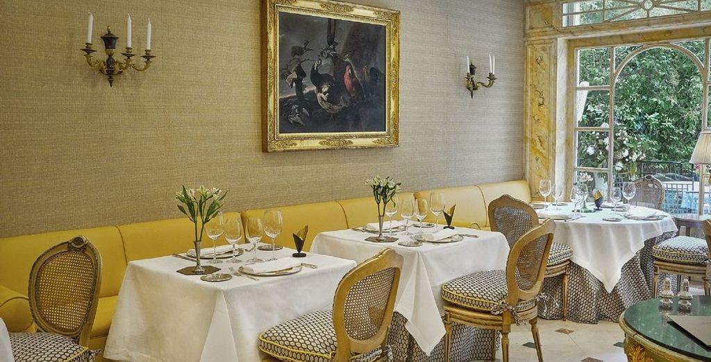 En el restaurante, además de deliciosa comida, encontrarás una selección de los mejores vinos