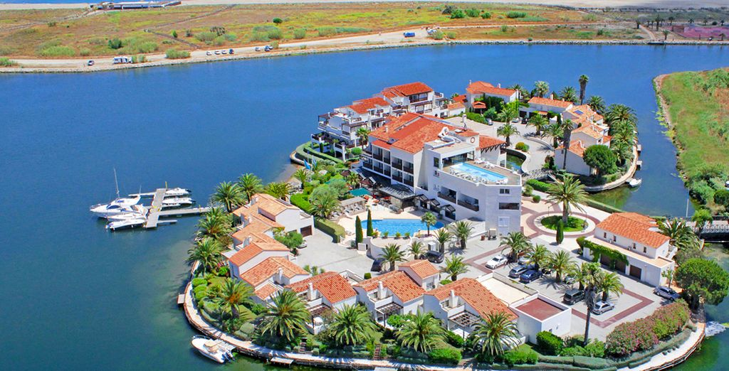 Tu inolvidable escapada a L'Ile de la Lagune Boutique Hotel 5*, ubicado en un entorno privilegiado, en la localidad de Saint Cyprien