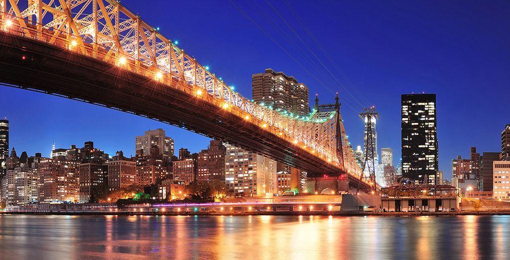 Cruce el Puente de Brooklyn desde Manhattan y visite este histórico distrito
