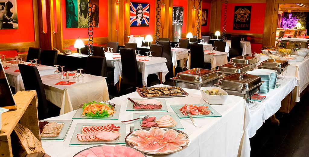 Disfrutarás de régimen de media pensión, desayuno y cena incluidos