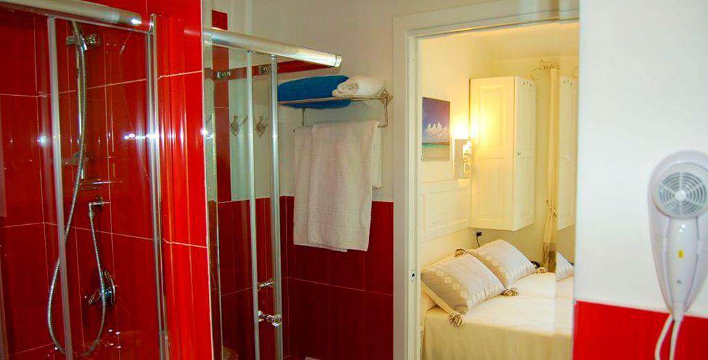 La Habitación Clásica cuenta con unos modernos y bonitos baños