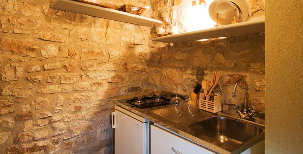 También dispone de una pequeña cocina