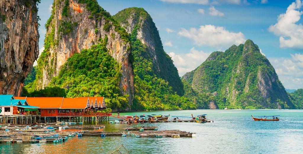 Disfrute de la belleza de la Bahía de Phang Nga
