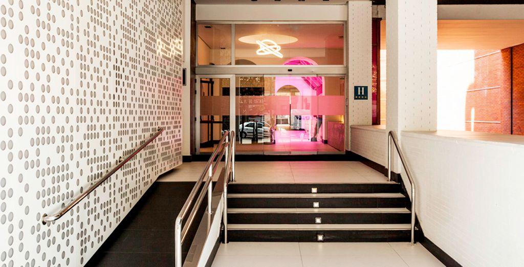 Bienvenido a Confortel Suites Madrid 4*.
