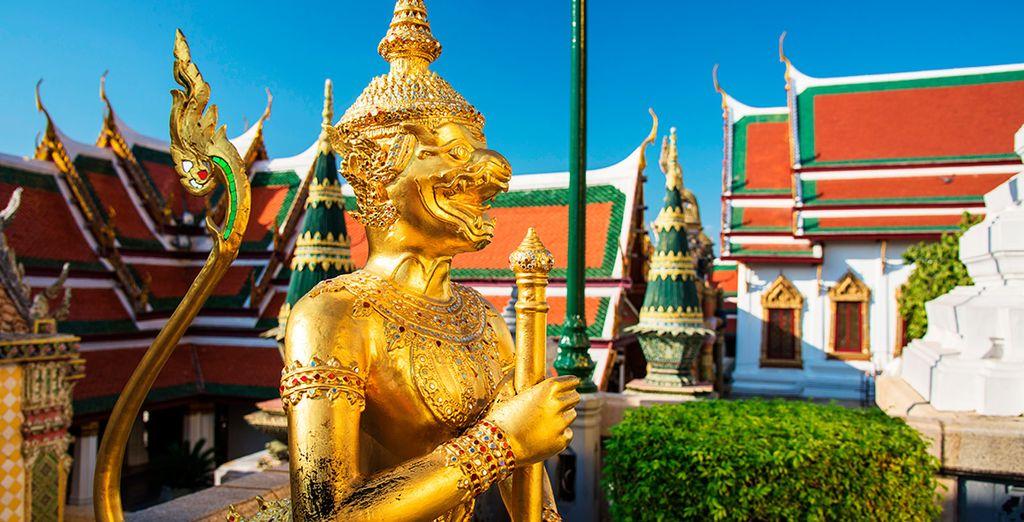 El Diablo Dorado custodia la entrada a Wat Phra Kaew
